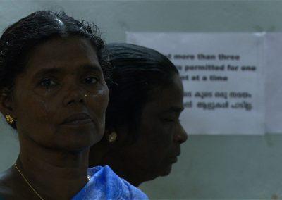 Grieving-Family-Members_Kerala-India